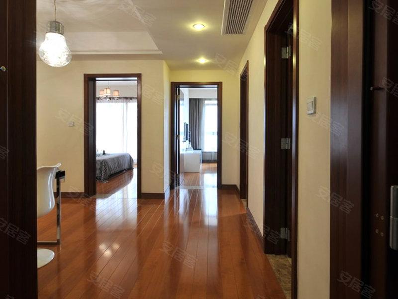 同是精装90平米2房 荣记玖珑湾 珑庭样板间对比高清图片