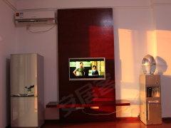 房子是一室一厅,家电家具齐全 交通方便