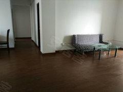 东方润园  三室两厅两卫,装修好,看房方便