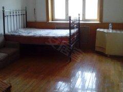安静安丰街,1室半30米,6楼复合地板塑钢窗,俩屋都有床,