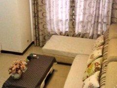 个人房源  房间带阳台宽敞明亮. 免费宽带干净