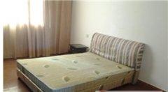 房子干净整洁,一室一厅一卫标准的家居小套房