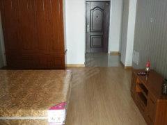 摩卡小镇1室1厅全新精装公寓出租1800包物业,拎包入住!
