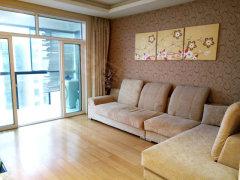 《天扬集团》湖岸名家精装修两室出租 干净清爽环境优美随时看房