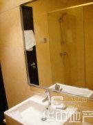 天鹅湾平层一居室,紧邻大悦城,地铁六号线,精装修,温馨舒适
