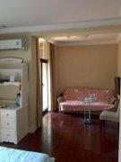 一房一厅 精装修 拎包入住
