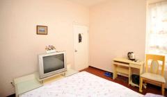 整租,奈伦和兴园,1室1厅1卫,个人房屋子干净、阳光充足