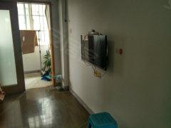 欧宝对面的商都大厦单身公寓急租 拎包入住 家电家具齐全