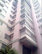 银河大厦标准一室一厅出租,拎包入住,租金1200。