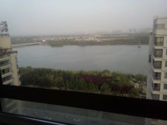 水榭王城 临河观景观  办公房  空间大  办公的好场所