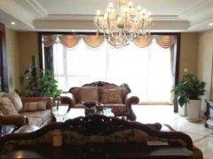 《房通网》泛海国际精装三居室看房方便。