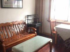 龙港花苑  两房一厅  有房出租