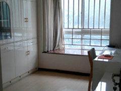 盛唐大两室,优越地段,生活配套都齐全,生活便利!