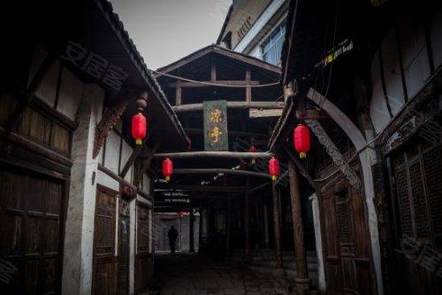 中航小镇周末请你游龙兴古镇 穿越500年历史高清图片